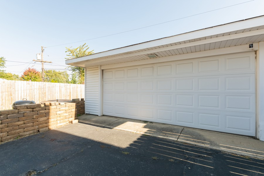 Real Estate Photography - 8759 S Duffy, Hometown, IL, 60456 - Garage