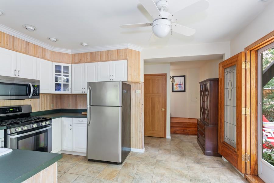 Real Estate Photography - 213 Pokagon, Michiana Shores, IN, 46360 - Kitchen
