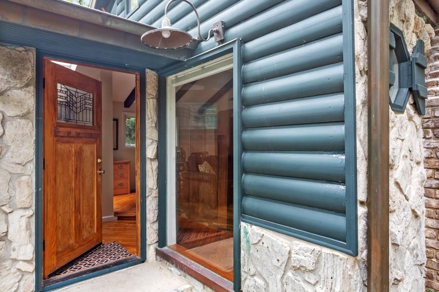 Real Estate Photography - 213 Pokagon, Michiana Shores, IN, 46360 - Entryway