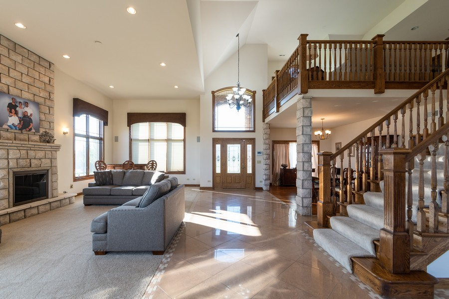 Real Estate Photography - 5336 175th Street, Tinley Park, IL, 60477 - Foyer