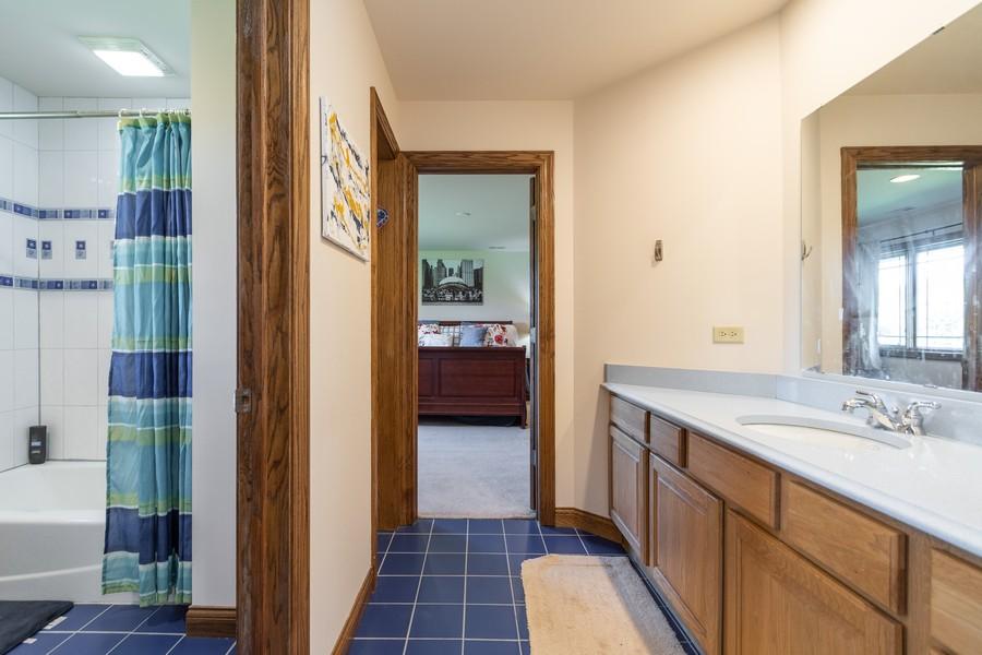 Real Estate Photography - 5336 175th Street, Tinley Park, IL, 60477 - Bathroom