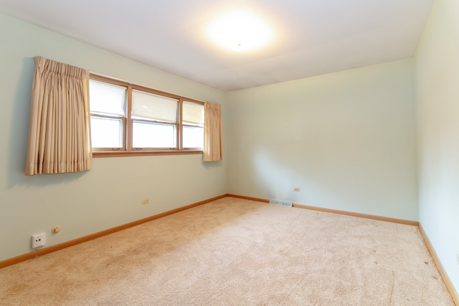 Real Estate Photography - 16609 School Street, South Holland, IL, 60473 - Master Bedroom