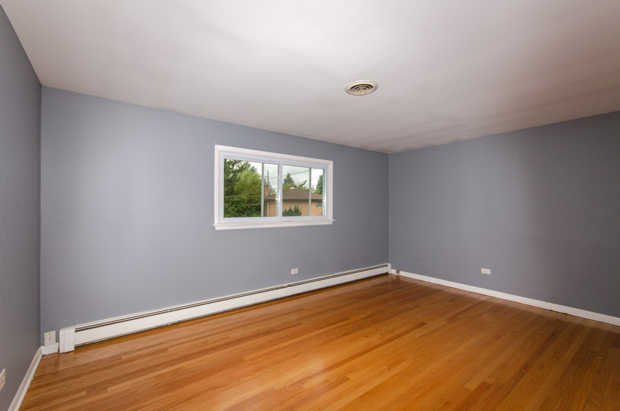 Real Estate Photography - 924 E. 169th Street, South Holland, IL, 60473 - Bedroom