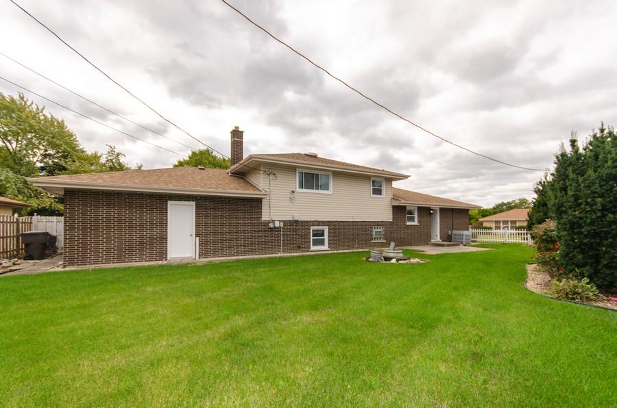 Real Estate Photography - 924 E. 169th Street, South Holland, IL, 60473 - Rear View