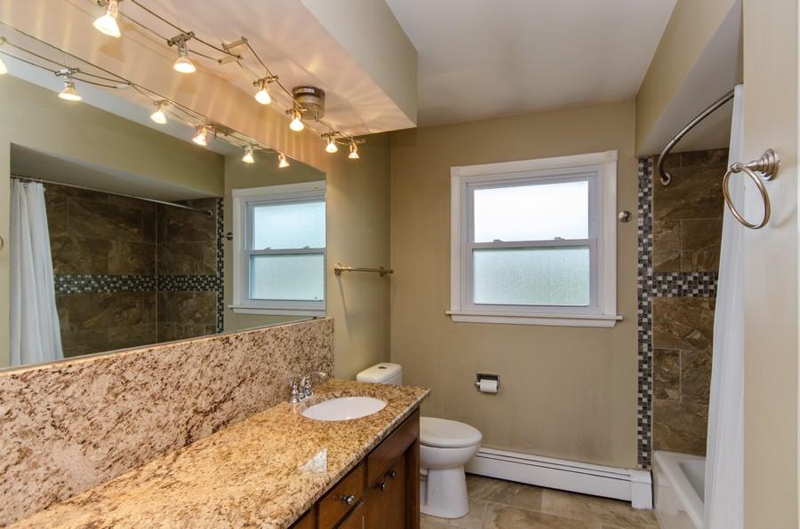 Real Estate Photography - 924 E. 169th Street, South Holland, IL, 60473 - Bathroom