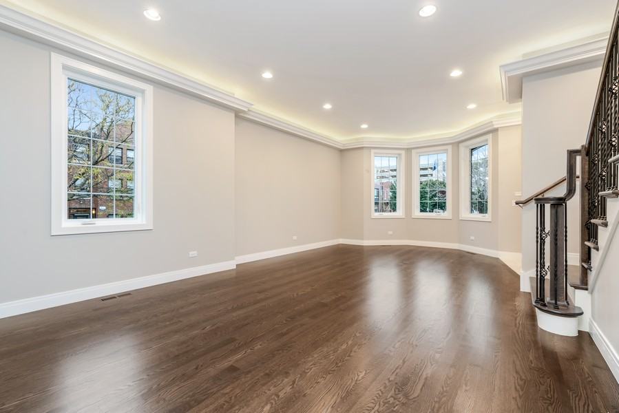 Real Estate Photography - 4959 S St Lawrence Ave, Chicago, IL, 60615 - Living Room