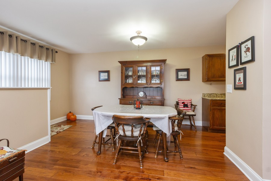 Real Estate Photography - 7716 W Grovewood Ln., Frankfort, IL, 60423 - Dining Room