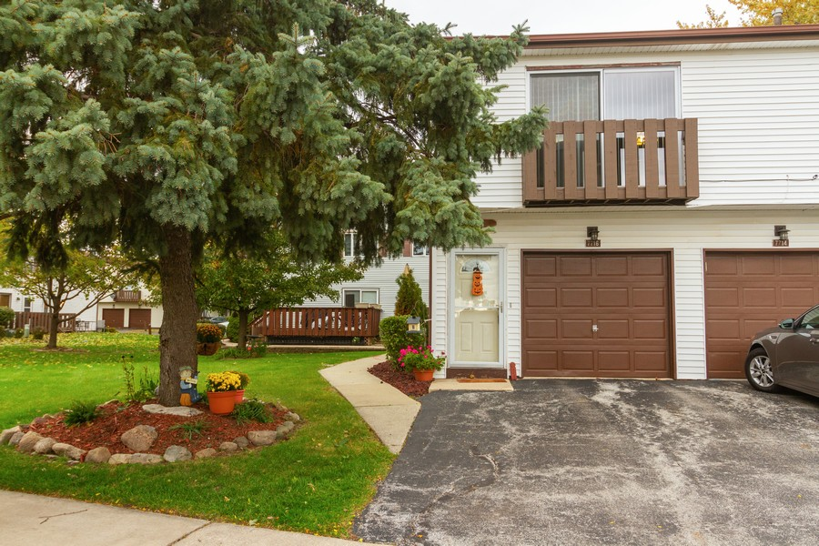 Real Estate Photography - 7716 W Grovewood Ln., Frankfort, IL, 60423 - Front View