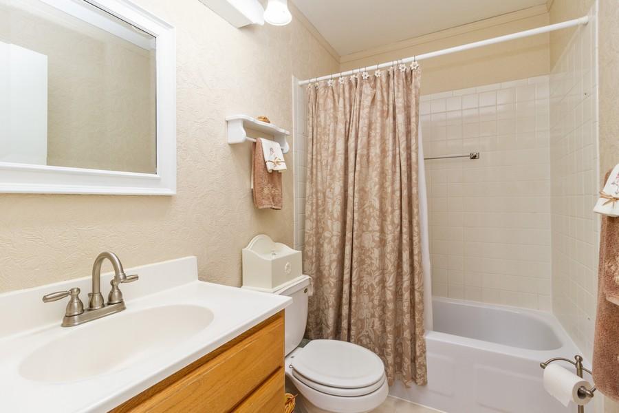 Real Estate Photography - 7716 W Grovewood Ln., Frankfort, IL, 60423 - Bathroom