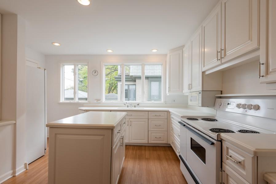Real Estate Photography - 2329 Ridge, Evanston, IL, 60201 - Kitchen