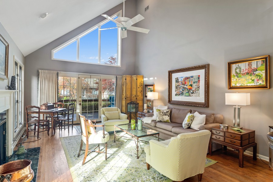 Real Estate Photography - 1168 Lynette, Lake Forest, IL, 60045 - Living Room