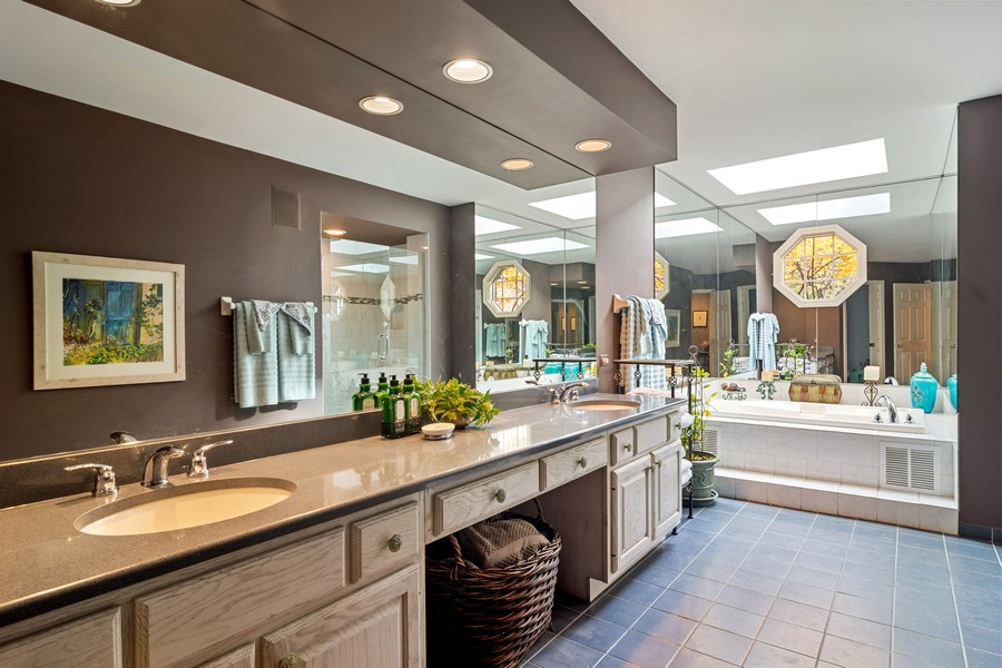 Real Estate Photography - 1168 Lynette, Lake Forest, IL, 60045 - Master Bathroom