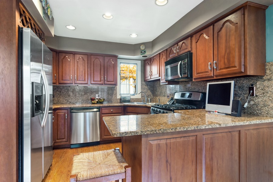 Real Estate Photography - 1168 Lynette, Lake Forest, IL, 60045 - Kitchen