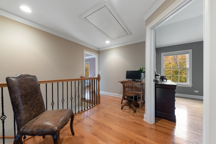 Real Estate Photography - 827 N. Princeton, Arlington Heights, IL, 60004 - 2nd Floor Corridor