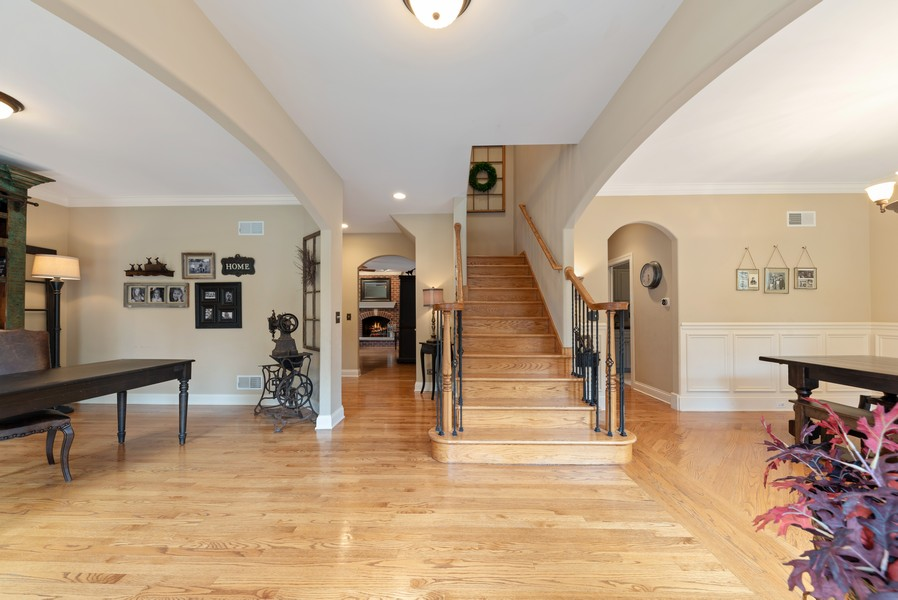 Real Estate Photography - 827 N. Princeton, Arlington Heights, IL, 60004 - Entryway