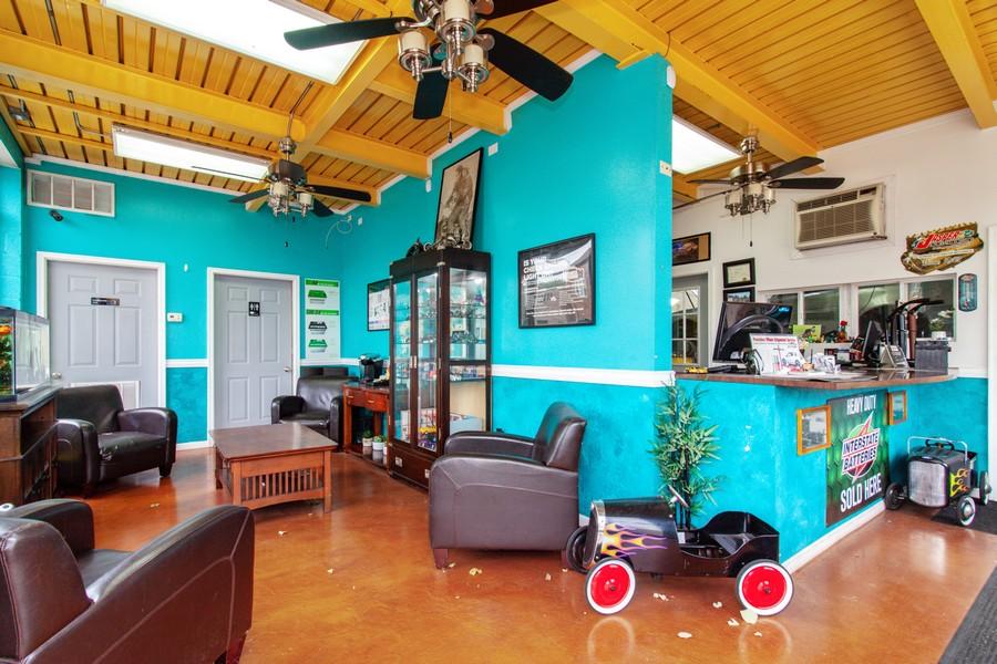 Real Estate Photography - 3400 S Harlem, Berwyn, IL, 60402 - Lobby