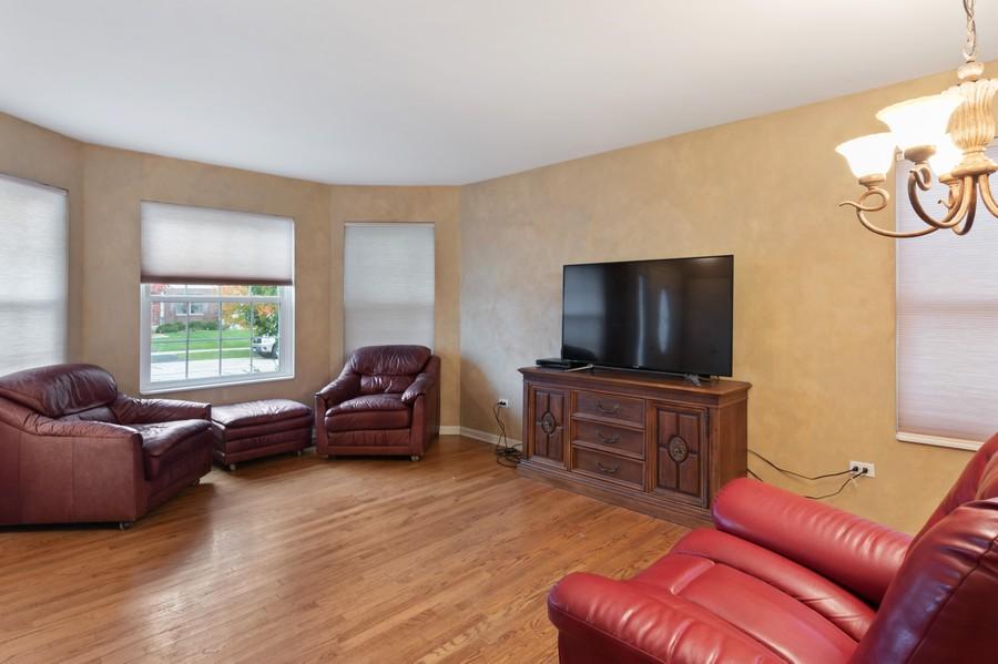Real Estate Photography - 29930 Trim Creek Lane, Beecher, IL, 60401 - Living Room