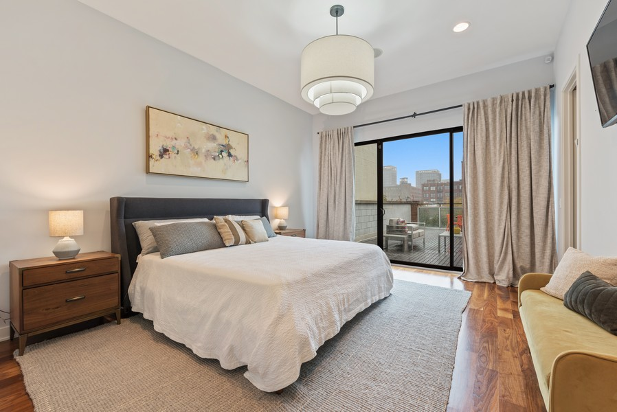 Real Estate Photography - 1012 W Lake St #2, Chicago, IL, 60607 - Master Bedroom