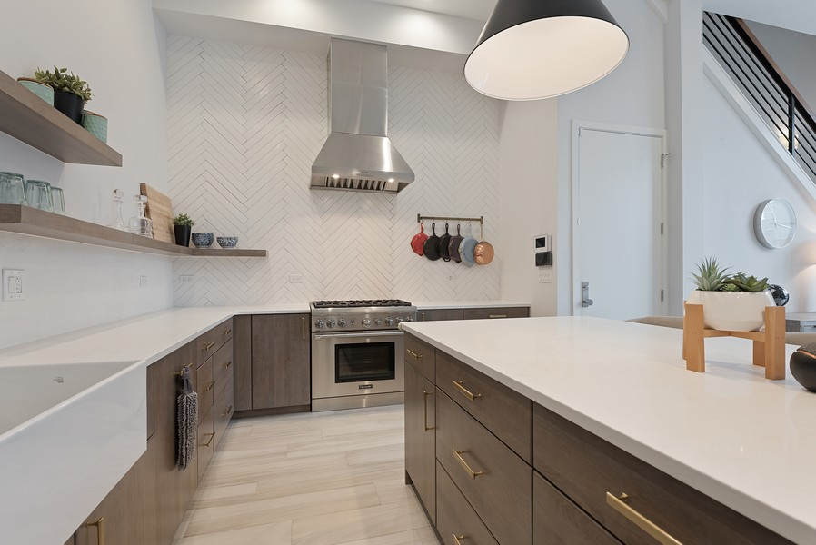 Real Estate Photography - 1012 W Lake St #2, Chicago, IL, 60607 - Kitchen