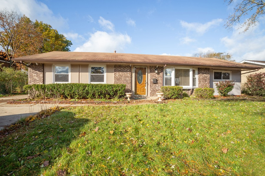Real Estate Photography - 1100 S Springinsguth Rd., Schaumburg, IL, 60193 - Front View