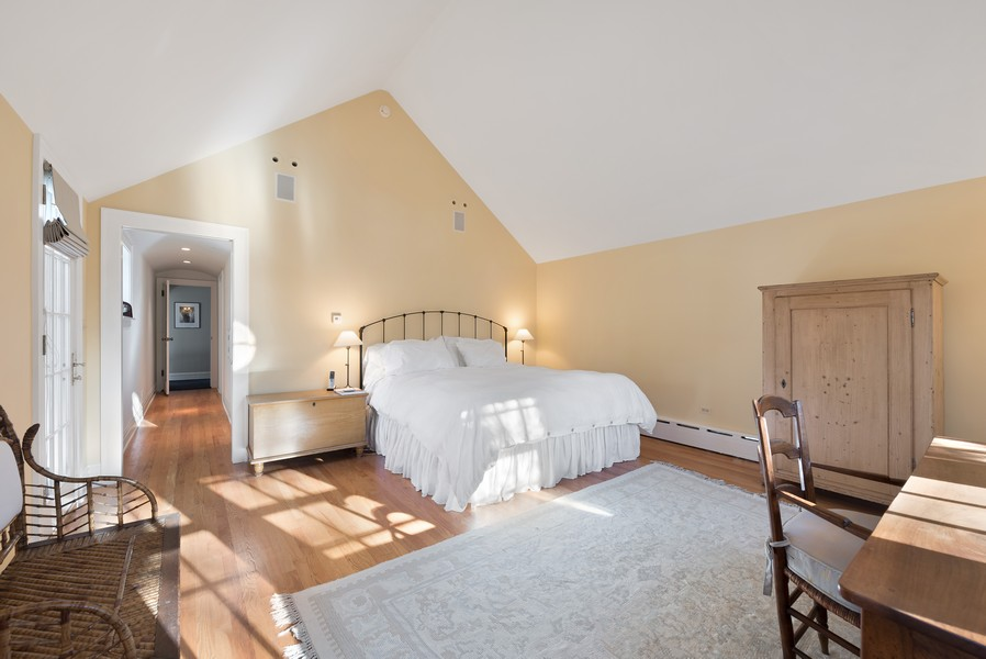 Real Estate Photography - 892 Valley Rd, Glencoe, IL, 60022 - Master Bedroom