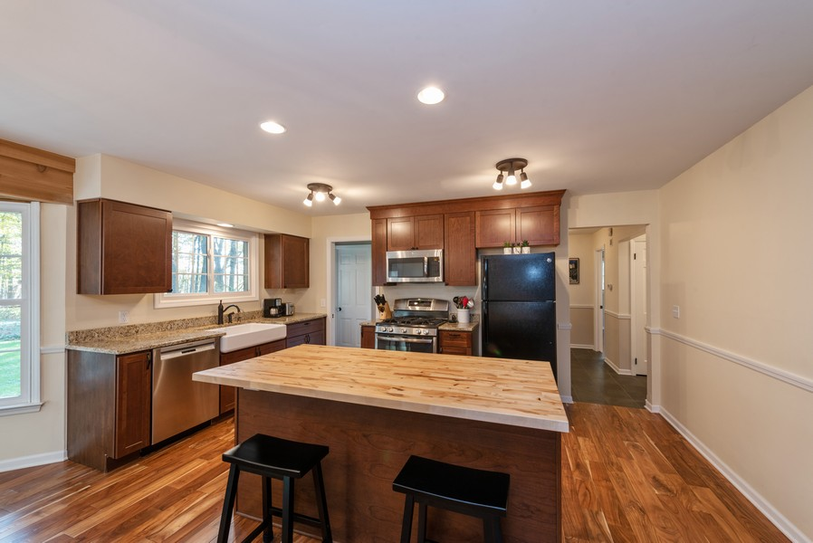 Real Estate Photography - 2051 Lawndale Dr, Valparaiso, IN, 46383 - Kitchen