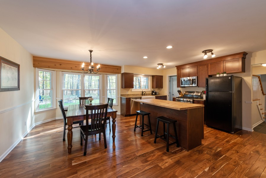 Real Estate Photography - 2051 Lawndale Dr, Valparaiso, IN, 46383 - Kitchen / Dining Room