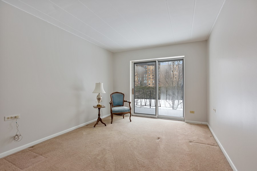 Real Estate Photography - 5540 Walnut Ave, 7C, Downers Grove, IL, 60515 - Bedroom
