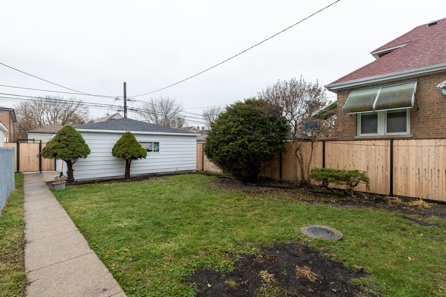 Real Estate Photography - 6112 S Kedvale Ave, Chicago, IL, 60629 - Back Yard