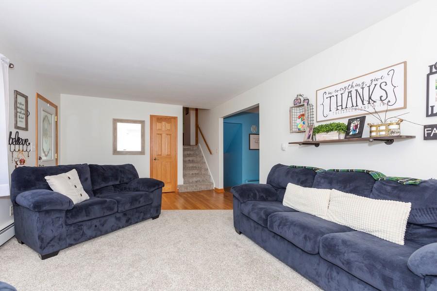 Real Estate Photography - 120 Hempstead Pl, Joliet, IL, 60433 - Living Room