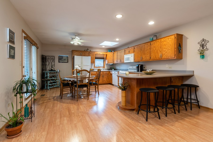 Real Estate Photography - 1956 Cornell, New Lenox, IL, 60451 - Kitchen