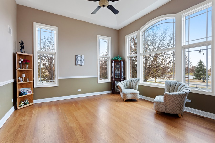 Real Estate Photography - 16200 Syd Creek Drive, Homer Glen, IL, 60491 - Living Room