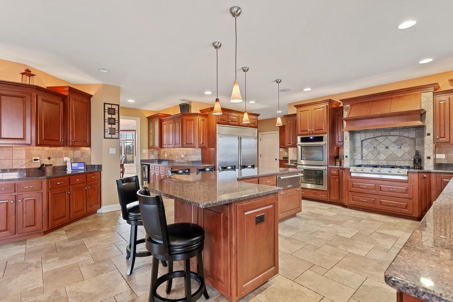 Real Estate Photography - 16200 Syd Creek Drive, Homer Glen, IL, 60491 - Kitchen