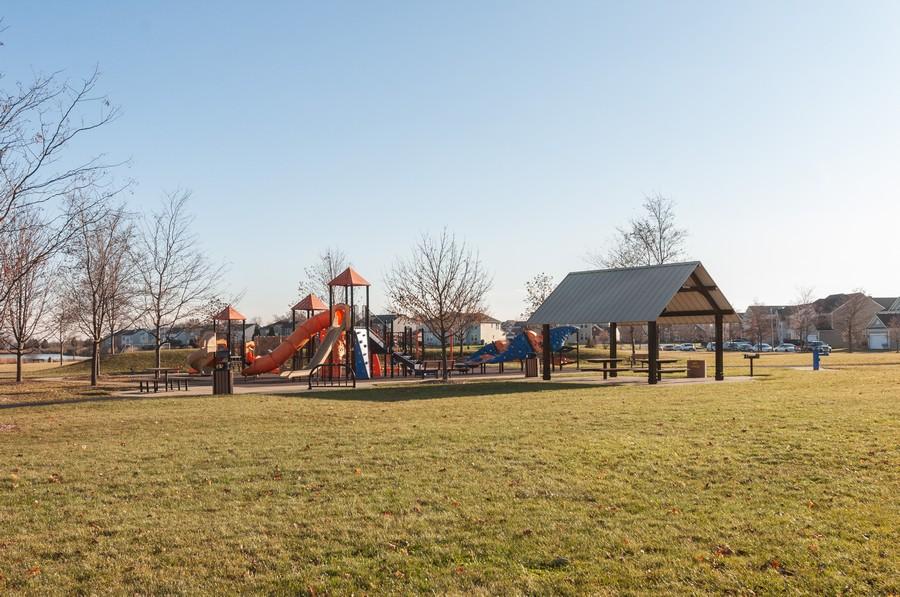 Real Estate Photography - 108 Devoe, Oswego, IL, 60543 - Park View
