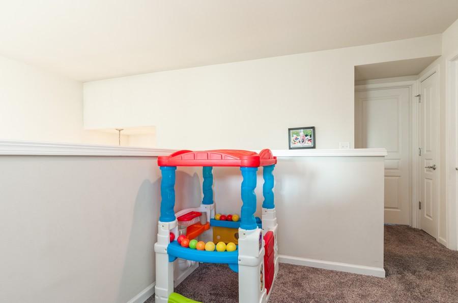Real Estate Photography - 108 Devoe, Oswego, IL, 60543 - Loft