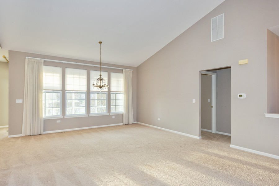 Real Estate Photography - 708 Ponds Ct., Oswego, IL, 60543 - Living Room