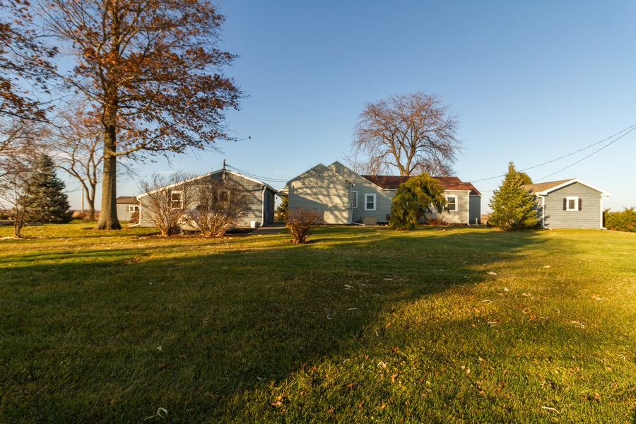 Real Estate Photography - 14828 E 1500 N, Grant Park, IL, 60940 - Rear View