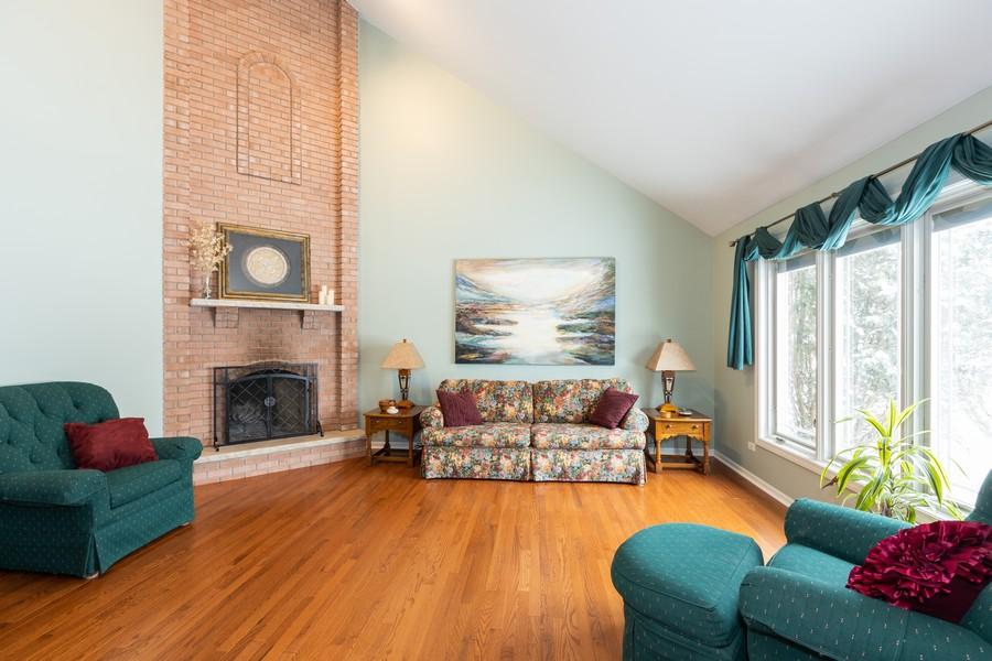 Real Estate Photography - 10960 Ashton Lane, Orland Park, IL, 60467 - Living Room