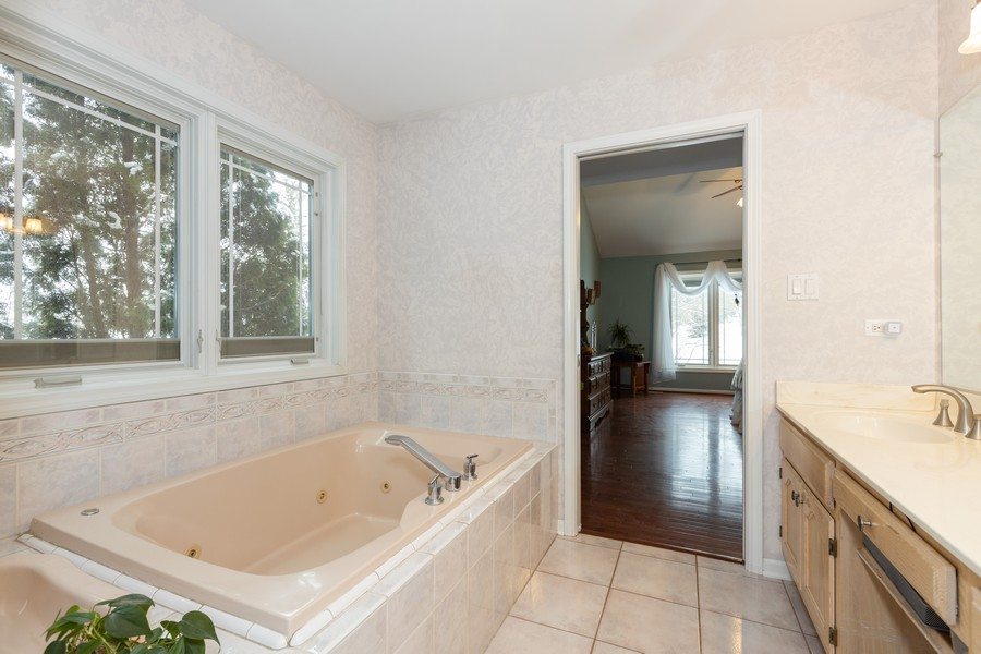 Real Estate Photography - 10960 Ashton Lane, Orland Park, IL, 60467 - Master Bathroom