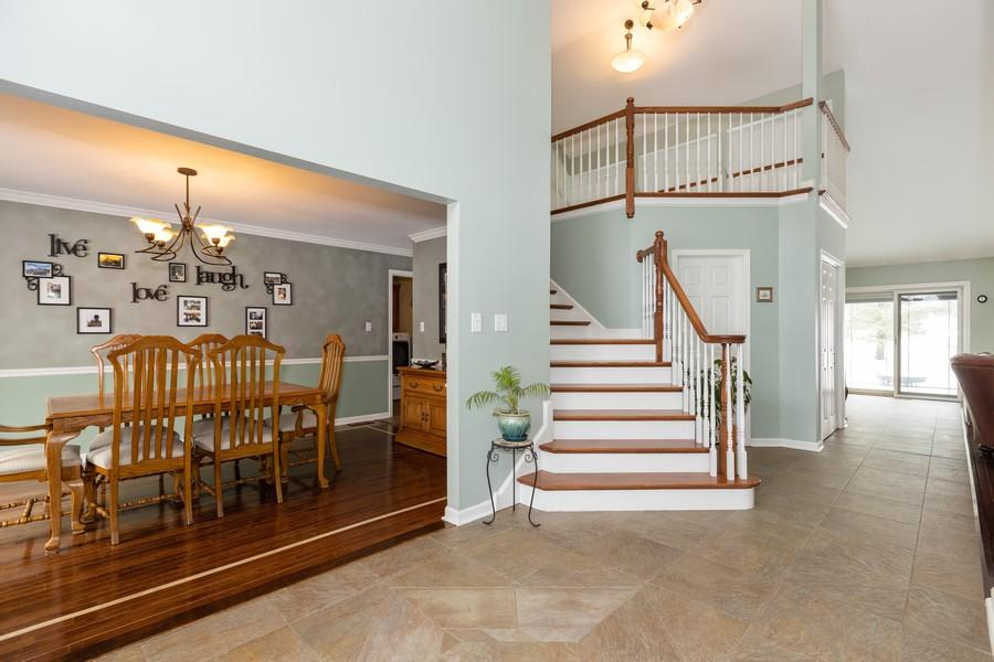 Real Estate Photography - 10960 Ashton Lane, Orland Park, IL, 60467 - Foyer