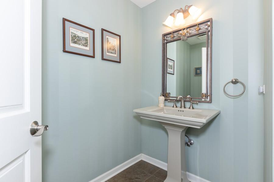 Real Estate Photography - 10960 Ashton Lane, Orland Park, IL, 60467 - Bathroom