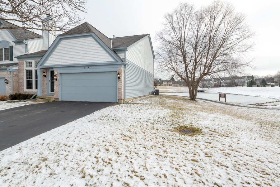Real Estate Photography - 1718 Coach Drive, Naperville, IL, 60565 - Side Yard