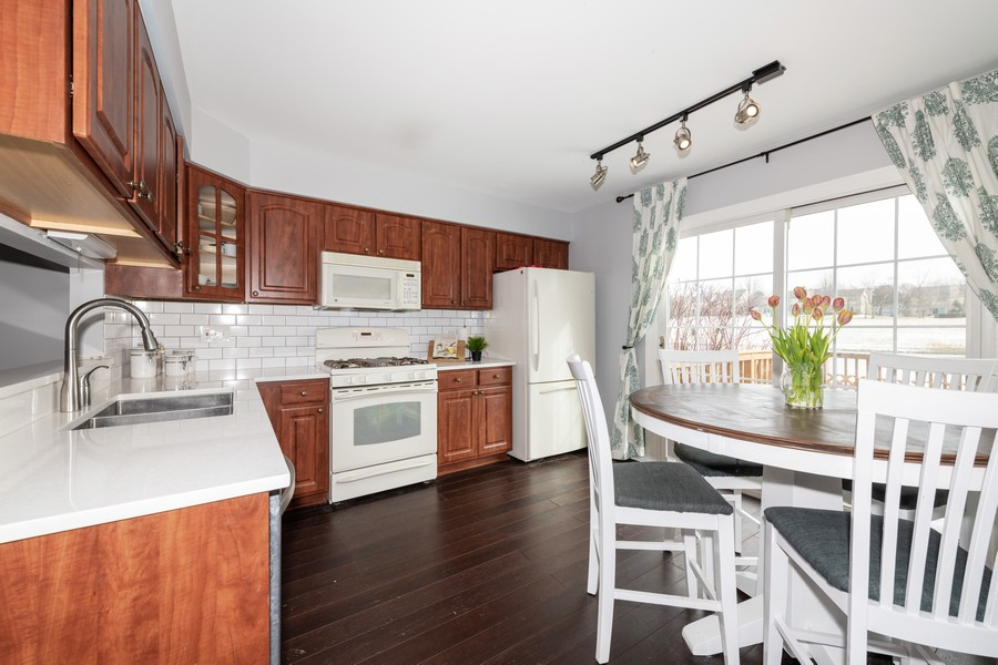 Real Estate Photography - 1718 Coach Drive, Naperville, IL, 60565 - Kitchen
