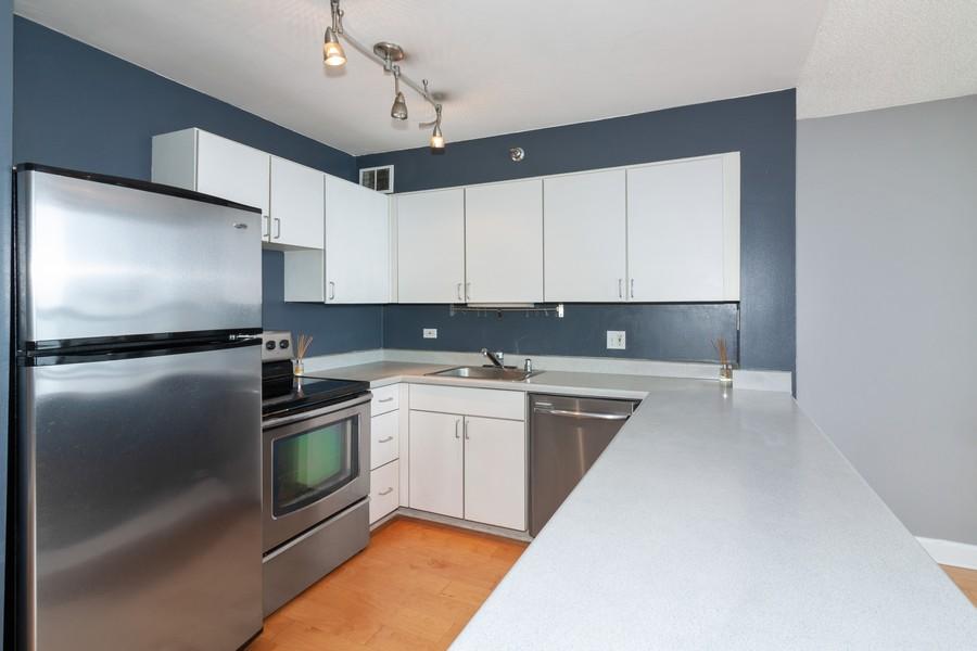 Real Estate Photography - 474 Lake Shore Dr #3112, Chiucago, IL, 60611 - Kitchen