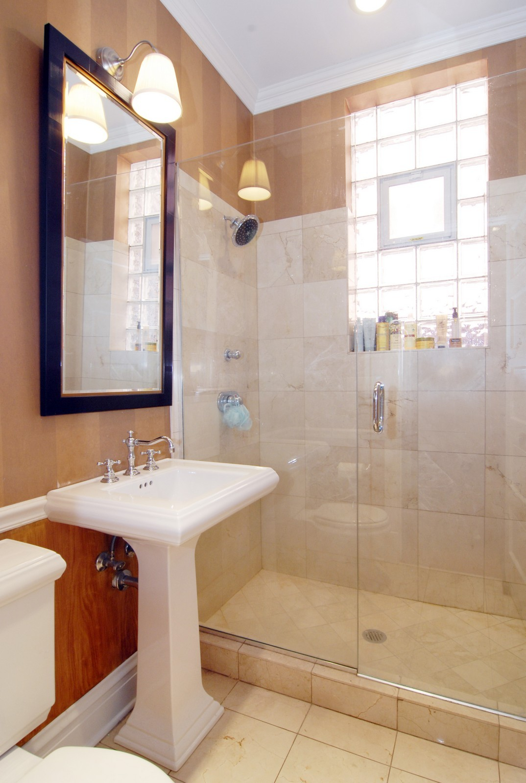 Real Estate Photography - 2044 N Sheffield, Unit 3, Chicago, IL, 60614 - Bathroom