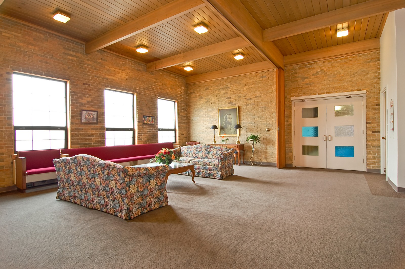 Real Estate Photography - 7534 W Berwyn Ave, Chicago, IL, 60656 - Gathering Area