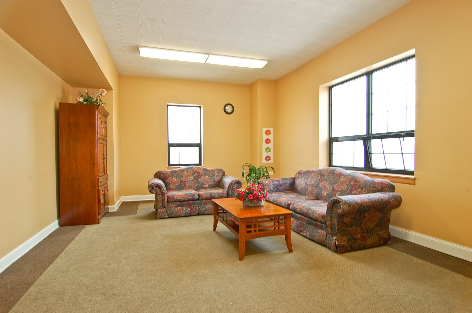 Real Estate Photography - 7534 W Berwyn Ave, Chicago, IL, 60656 - Lounge/Meeting Room