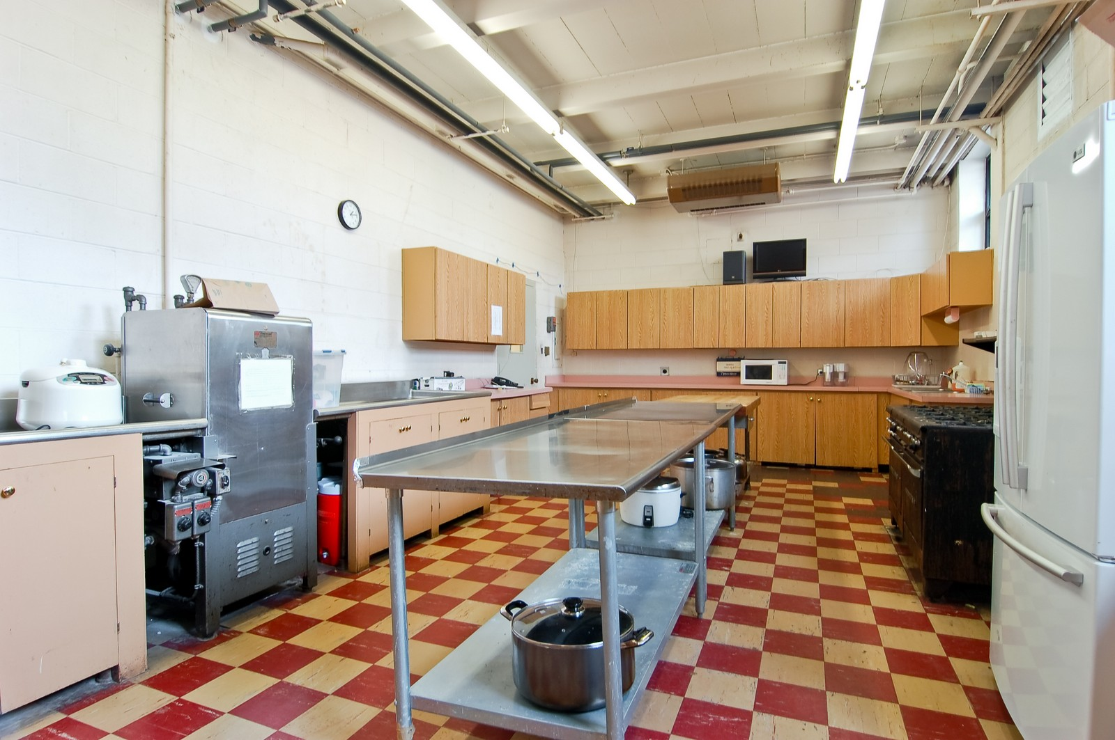 Real Estate Photography - 7534 W Berwyn Ave, Chicago, IL, 60656 - Interior of Kitchen