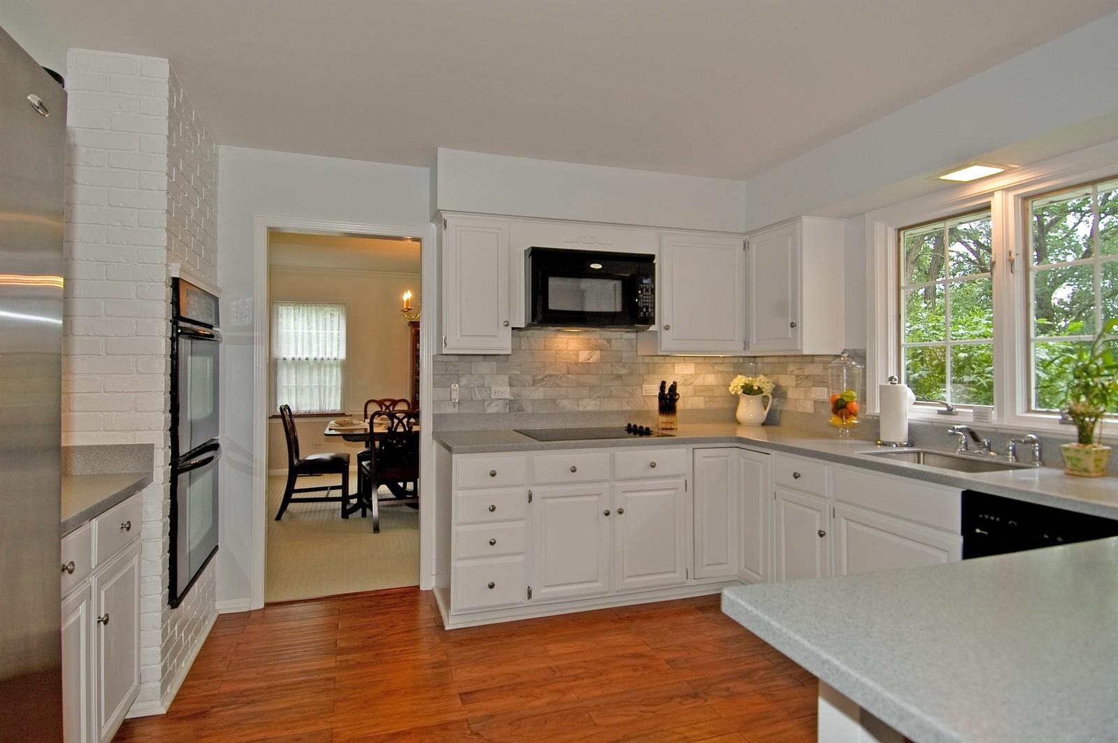 Real Estate Photography - 2785 Chapel, Barrington Hills, IL, 60010 - Kitchen