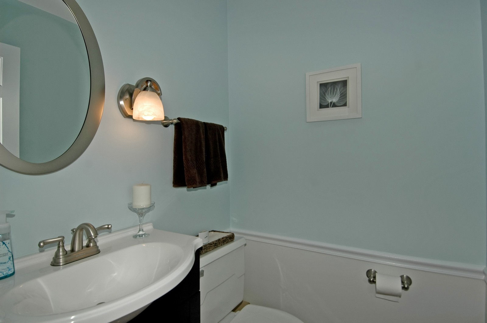 Real Estate Photography - 2785 Chapel, Barrington Hills, IL, 60010 - 2nd Bathroom
